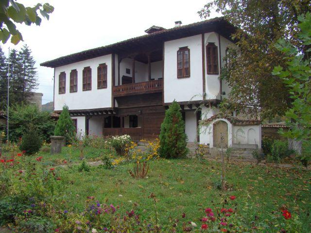 Резултат с изображение за Класното училище в Златарица